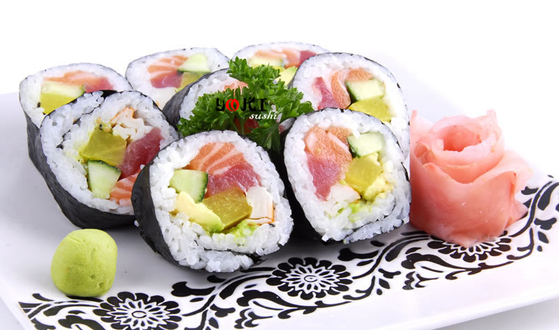 <b>MENU S2</b>  Soupe,salade |8 Futo maki |   <b>11,50 €</b>