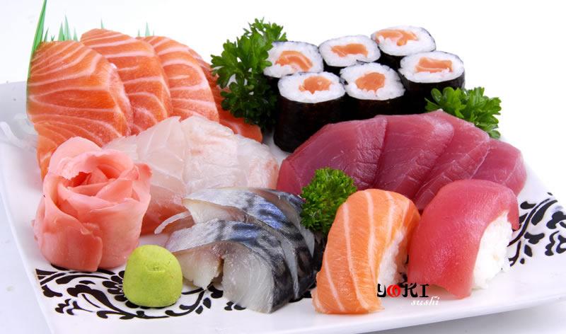 <b>MENU S9</b>  Soupe,salade,riz |6 Maki, 2 Sushi,12 Assortiment de sashimi |   <b>15,00 €</b>