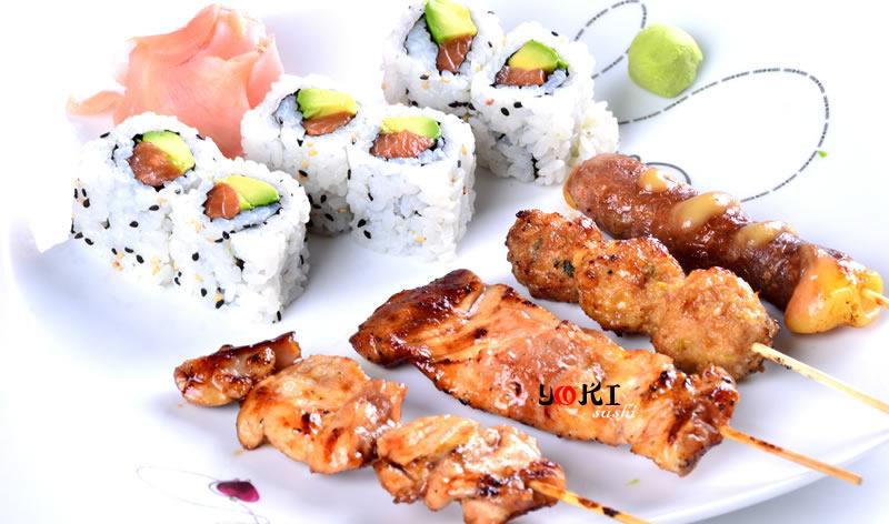 <b>MENU S17</b>  Soupe,salade,riz |6 California maki,4 Brochettes:(2 poulet,1 boulette de poulet,1 boeuf au fromage) |   <b>13,80 €</b>