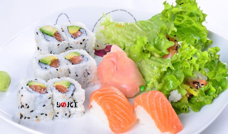 <b>MENU S20</b>  Soupe,salade,riz |6 California maki,2 Sushi,roll de legume |   <b>14,80 €</b>