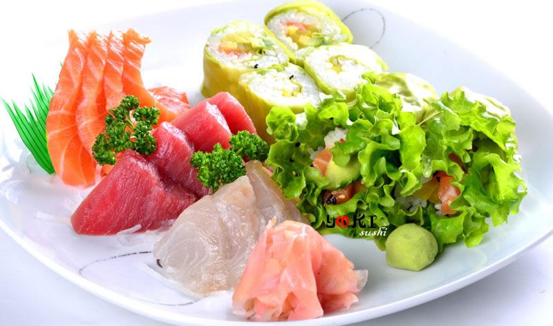 <b>MENU S21</b>  Soupe,salade,riz |8 Printemps roll,12 Assortiment de sashimi |   <b>18.80 €</b>