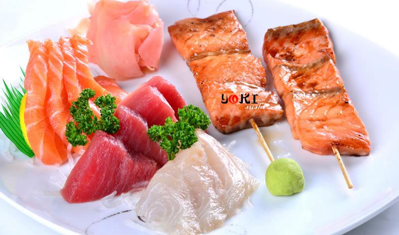 <b>MENU S22</b>  Soupe,salade,riz |12 Assortiment de sashimi,2 Brochettes de saumon |   <b>16.80 €</b>