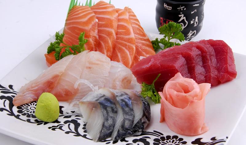 <b>MENU SASHIMI</b>  Soupe,salade,riz |Petit mixte sashimi(18 tranches)…………14,80€<br>tout saumon …………13.80€<br> Grande mixte sashimi(24 tranches)…………20,80€<br>tout saumon …………19,80 |   <b>P14.80 G20.80 €</b>
